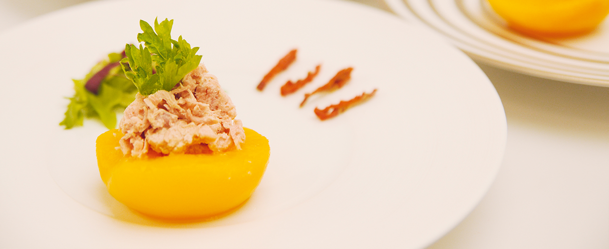 https://www.delmonteeurope.com/media/europe/recipes/recipes%20(new)/delmonte-peach-tuna-hd.png